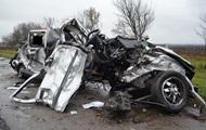 В Харьковской области ВАЗ столкнулся с грузовиком, три человека погибли