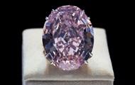 Крупнейший розовый бриллиант продан за рекордную сумму
