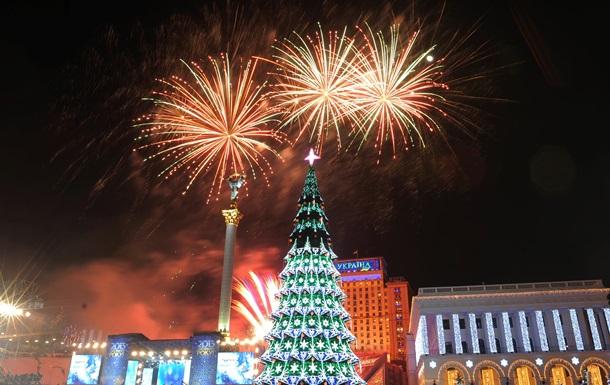 В Киеве новогоднюю елку начинают устанавливать